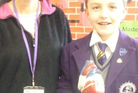Y6 Gave a Hearty Welcome to Mrs Wood