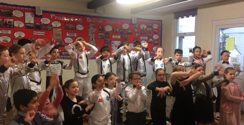 Year 5 Present 'The Man on the Moon!'