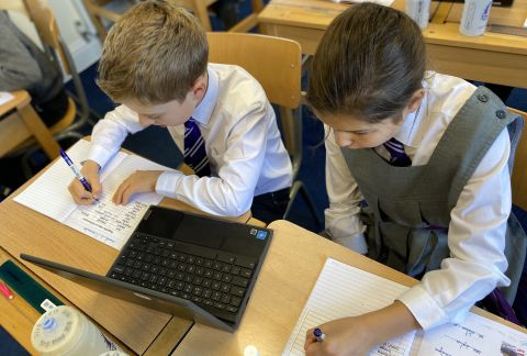 Cross-Curricular Learning: French and Computing